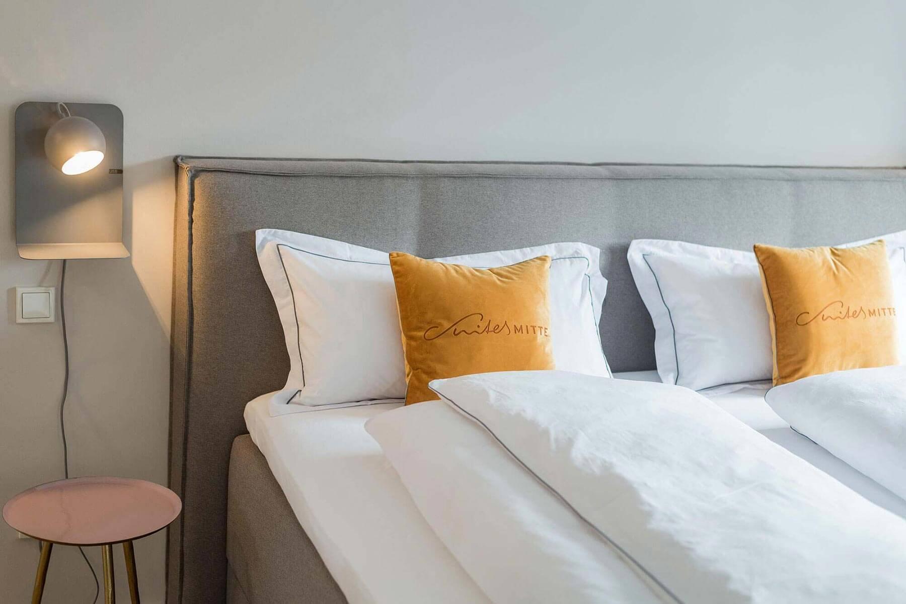 Schlafzimmer Suites Mitte – Boxspringbetten